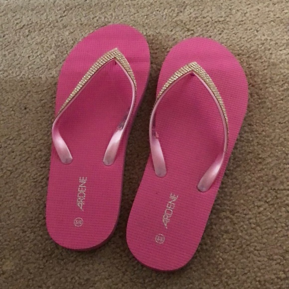 💜free with purchase 💜Flip flops with rhinestones